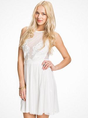 TFNC Lizia Dress Cream