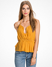 NLY Trend Shaped Halter Top