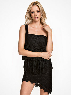NLY ICONS Layered Lace Dress Svart