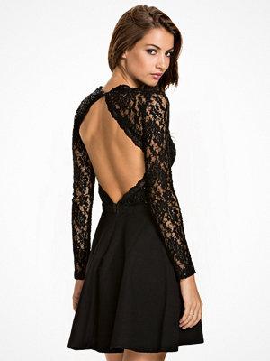 NLY One Glam Lace Skater Dress Svart