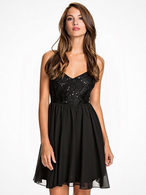 NLY One Shimmery Flare Dress Svart
