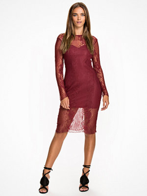 NLY Trend Watch Your Back Dress