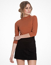 NLY Trend Turtleneck Tee