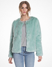 NLY Trend Ice Cream Fake Fur