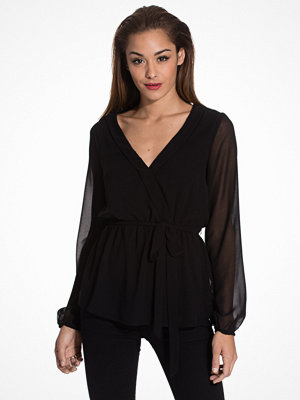 NLY Trend Like The Wind Blouse Svart