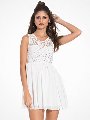 NLY One Jewelery Skater Dress Vit