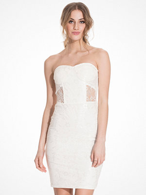 NLY Trend Covered In Lace Dress Vit