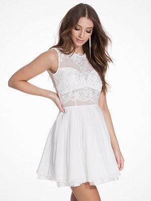 Ax Paris Sleeveless Lace Skater Dress Cream