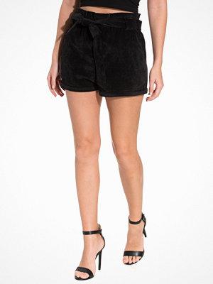NLY Trend Paperwaste Shorts Svart