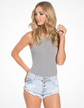 New Look Ribbed Scoop Back Bodysuit
