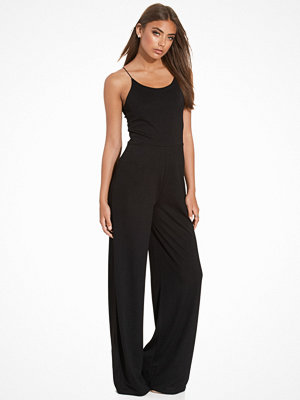 NLY Trend Strappy Jumpsuit Svart
