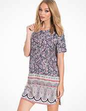 NLY Trend The One T-shirt Dress