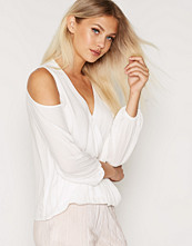 Topshop Long Sleeve Cold Shoulder Blouse