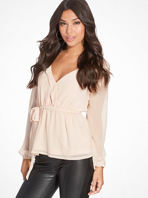 NLY Trend Like The Wind Blouse Creme