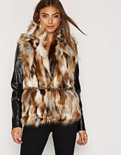 Only onlAUGUSTA PATCHED FUR WAISTCOAT OT