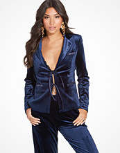 NLY Trend Dolled Up Velvet Blazer