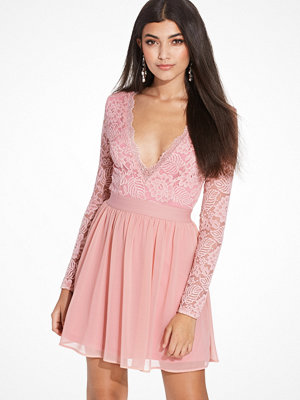 NLY Trend Scalloped Lace Prom Dress Pearl