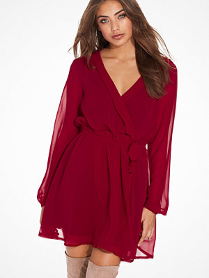 NLY Trend Wrapped Dress Burgundy