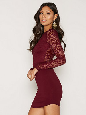 NLY One Scallop Open Back Bodycon Burgundy