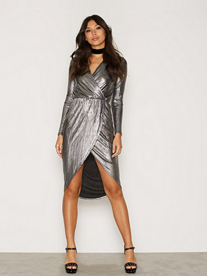 NLY One Wrap Foil Dress Silver