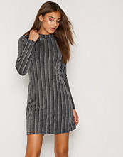 NLY Trend Lurex Rib Turtle Dress