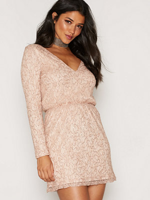 NLY Trend Sparkly Lace Dress Guld
