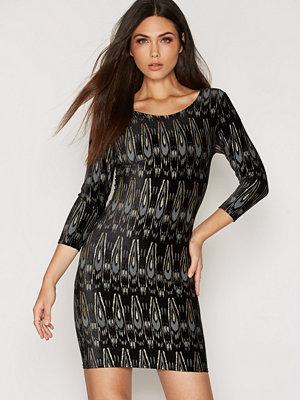 Sisters Point Gunila Dress Svart/Guld
