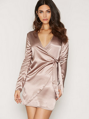 NLY One Wrapped Satin Dress Taupe