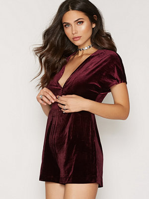 New Look Velvet Wrap Front Short Sleeve Playsuit