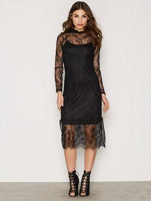 Vero Moda Vmyes Lace L/S Calf Dress V Svart