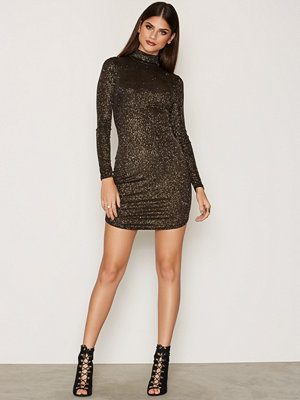 NLY Trend Sparkling Off Duty Dress Guld