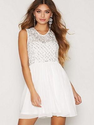 NLY One Jewelery Chiffon Dress Vit