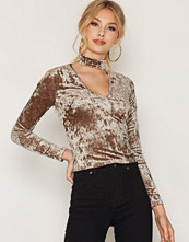 NLY One Choker Velvet Top