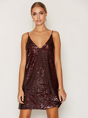 NLY Trend Sequin Slip In Dress