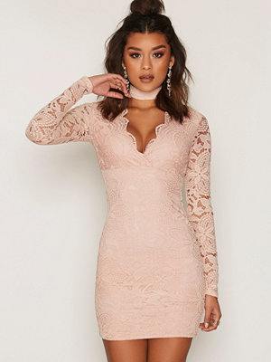 NLY One Choker Lace Dress Puderrosa