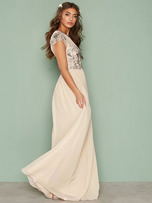 NLY Eve Exclusive Deco Gown Champagne