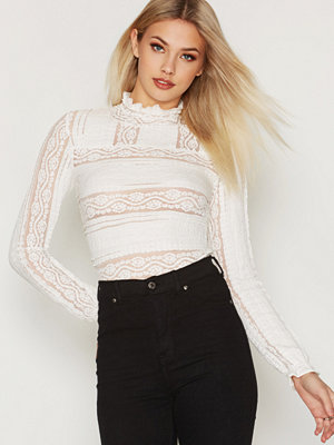 NLY Trend All Over Lace Top
