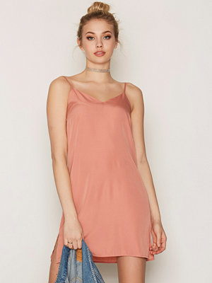 NLY Trend Slip Dress Ljus Rosa