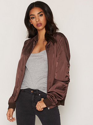 NLY Trend Easy Bomber Jacket Brun