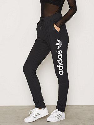 Adidas Originals svarta byxor med tryck Light Logo TP Black