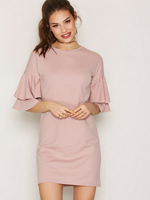 NLY Trend Frill Dress Dark Rose