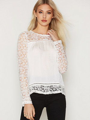 NLY Trend Spring Lace Blouse