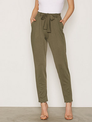 NLY Trend omönstrade byxor Dressed Tie Pants Khaki