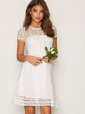 NLY Trend Graduation Dress Vit