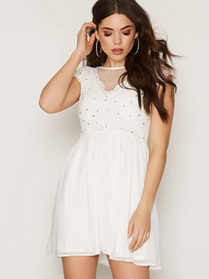 NLY One Bejeweled Lace Dress Vit