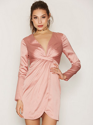 NLY Trend Deep V Silky Dress Rosa