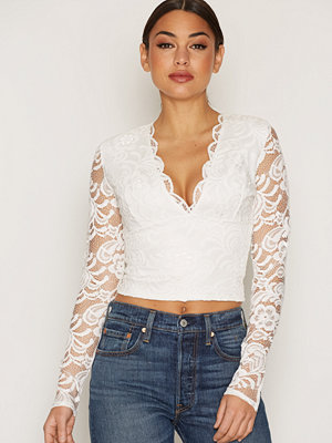 NLY One Scallop Lace Top Vit