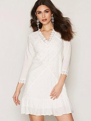 Dry Lake Jardin Sleeve Dress White