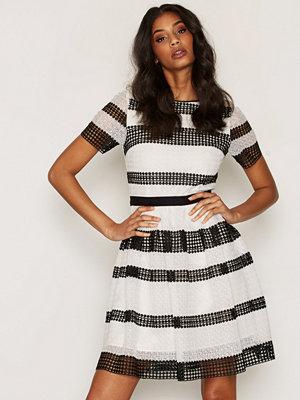 MICHAEL Michael Kors Graphic CR Stripe Dress Black