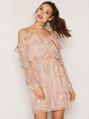 NLY Trend Frill Me Dress